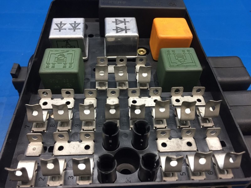 autobahn parts electrical bmw e28 5 e23 7 oem fuse box part Oldsmobile Fuse Box bmw e28 e23 oem fuse box
