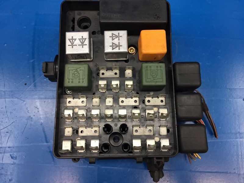 Autobahn Parts Electrical Bmw E28 5 E23 7 Oem Fuse