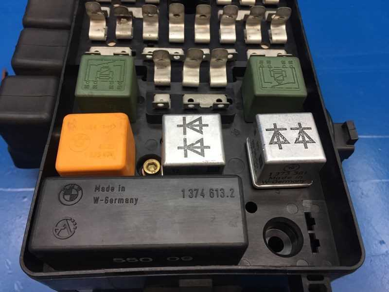 autobahn parts electrical bmw e28 5 e23 7 oem fuse box part rh autobahnparts com bmw 528i fuse box 1988 bmw 528e fuse box